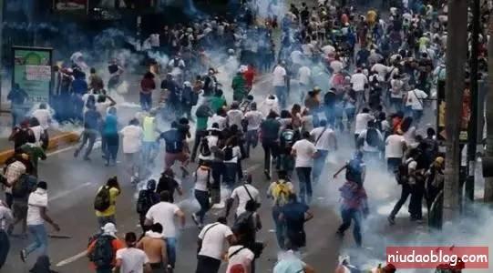 时寒冰:货币四年贬值99.7%的委内瑞拉发生了什么? - niudaoblog.com